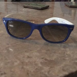 Two-toned RayBan glasses